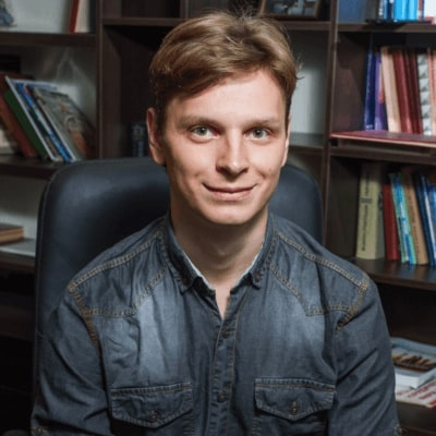 Maksym Marchenko,  Specialist in Patents